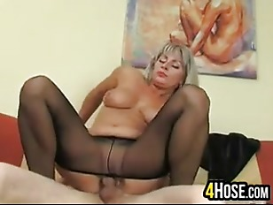 Picture Mature Woman In Nylons
