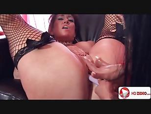 Mahina makes her older friend cum