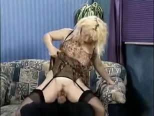 Picture HORNY GERMAN HOUSEWIFE
