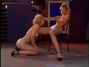 Picture Lesbians In The Show