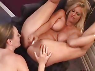fat lesbian squirt