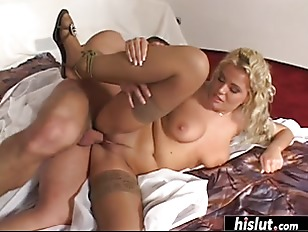 Voluptuous Blonde Craves For Anal Banging