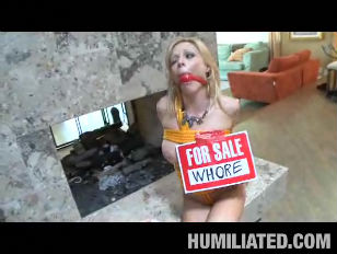 MILF Holly Sampson Gets...