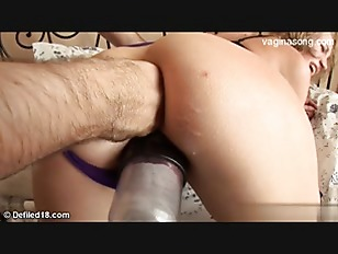 Picture Blonde Slut Gets Kinky