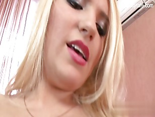 Cute Shaved Pussy Deep...