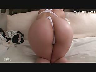 Natural Tits Girl Bang...