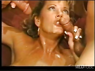 Blond Threesome Pussy And...