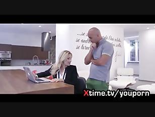 l'assistente del cazzo. porno italiano con Vittoria Risi
