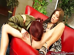 Sexy Glam Oral Lesbos...