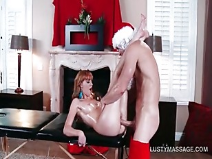 Picture Redhead Hottie Ends Up Banging Her Sexy Mass...