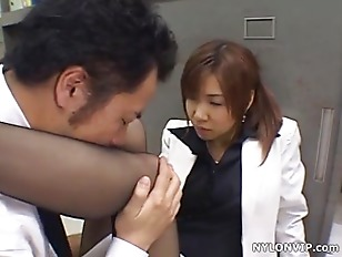 Office Secretary Handjob In Nylon Pantyhose