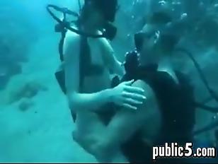 Sex while scuba diving vieo