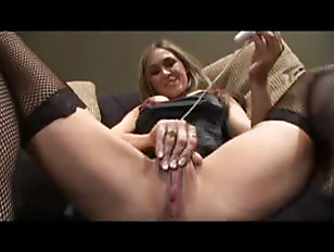 Masturbation Solo With Blonde...