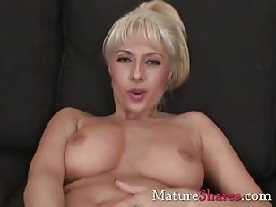 Spectacular Blonde MILF Brianna...