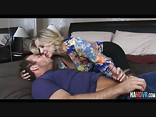 Hot Blonde Mommy Pussy Julia Ann