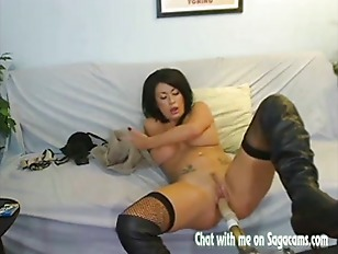 Busty Isis Monroe Live...