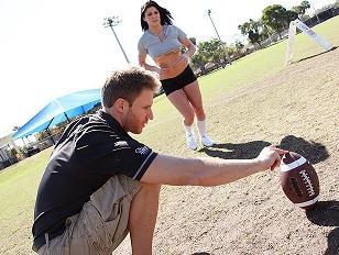 Football Chick Erin Marxxx...
