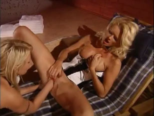 Picture Foot And Fist Lesbos