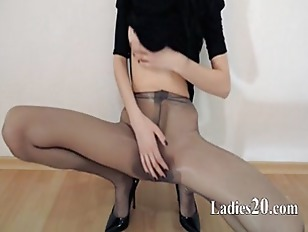 Picture Hot 18yo Girl Teasing In Front Of Mirorr