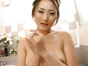 Japanese bath with Risa Murakami