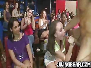 stripper blowjobs Zwarte lesbiennes voldoen aan