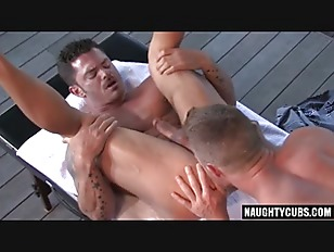 hairy bodybuilder outdoor sex and cumshot