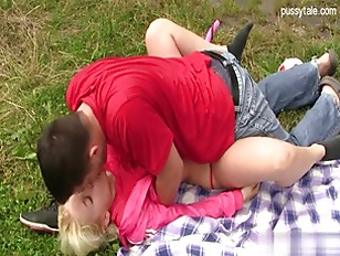 Picture Hot Picnic With Amazing Blonde