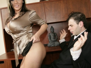Claire Dames Office 69...