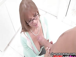 Picture Sexy Busty Stepmom Darla Crane Gets Her Ass...