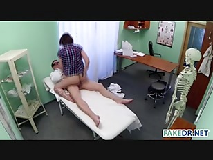 Picture Skin Examination On A Hot Babe In The Fake H...