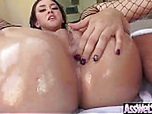 Girlfriend loves wet sex videos