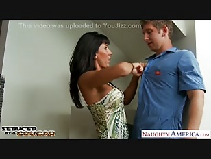 Picture Nasty Cougar Lezley Zen Gets Facialized