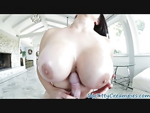 Gorgeous milf tittyfucked after pole dancing