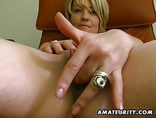 Picture Amateur Girlfriend Toys Her Pussy And Sucks...