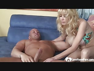 Stunning MILF loves to...