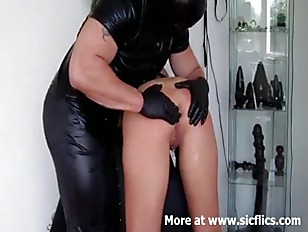 Picture Intense Fisting And Squirting Orgasms