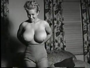 Curvy nude women boobs