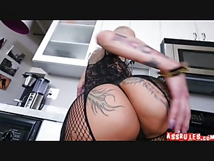 Bella Bellz does anal...