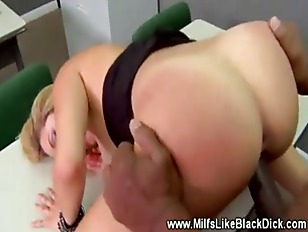 Picture Class Room Fuck For This Blond Milf And Her...