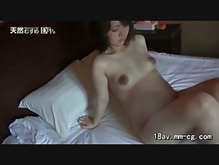 Brunette Pregnant Chick Show...