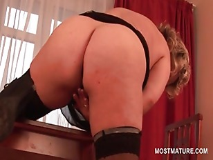 Picture Sexy Mature Blonde Touching Her Soft Pussy W...