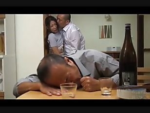Japanese wife forced next drunk husband (Full: bit.ly/2CI0gzk)