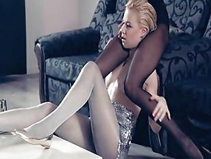 Hot Lesbs In Pantyhose...