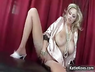 Blonde Pornstar Katie Kox...