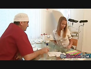 Picture Sweet Young Girl 18+ Gets Ready For Doctor D...