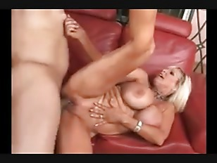 Picture Bleach Blonde Fake Tit MILF Pounded On Leath...