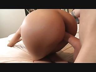 Picture Sluts Natural Tits Bounce While She Rides Du...