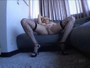 Picture Busty Blond Hottie Cassidy Blue Trasgu