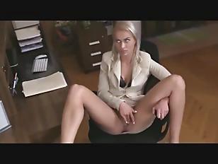 kvinna som ger Blowjob