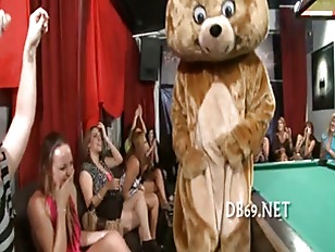Picture Girl Gets Fucked While Her Friends